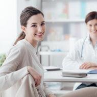 kobieta podczas wizyty u lekarza